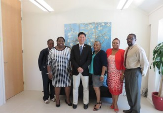 Minister Lee meets with WICLU.